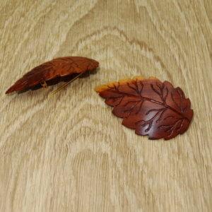 Anstecknadel aus Holz-Blattform gezackt