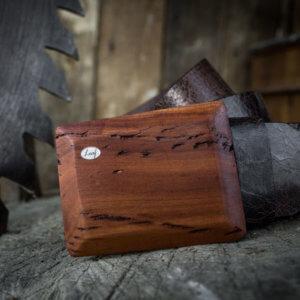 Ledergürtel mit Holzschnalle Altpflaume breit