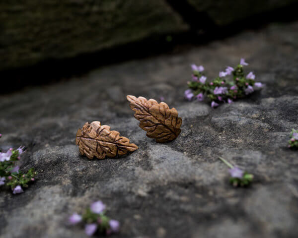 Ohrstecker aus Nussholz