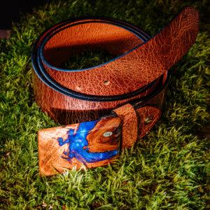 Leaf-Ledergürtel mit Holzschnalle