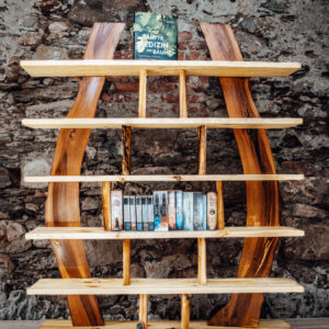 Bücher Regal aus Rundholz modern-Raumteiler neu